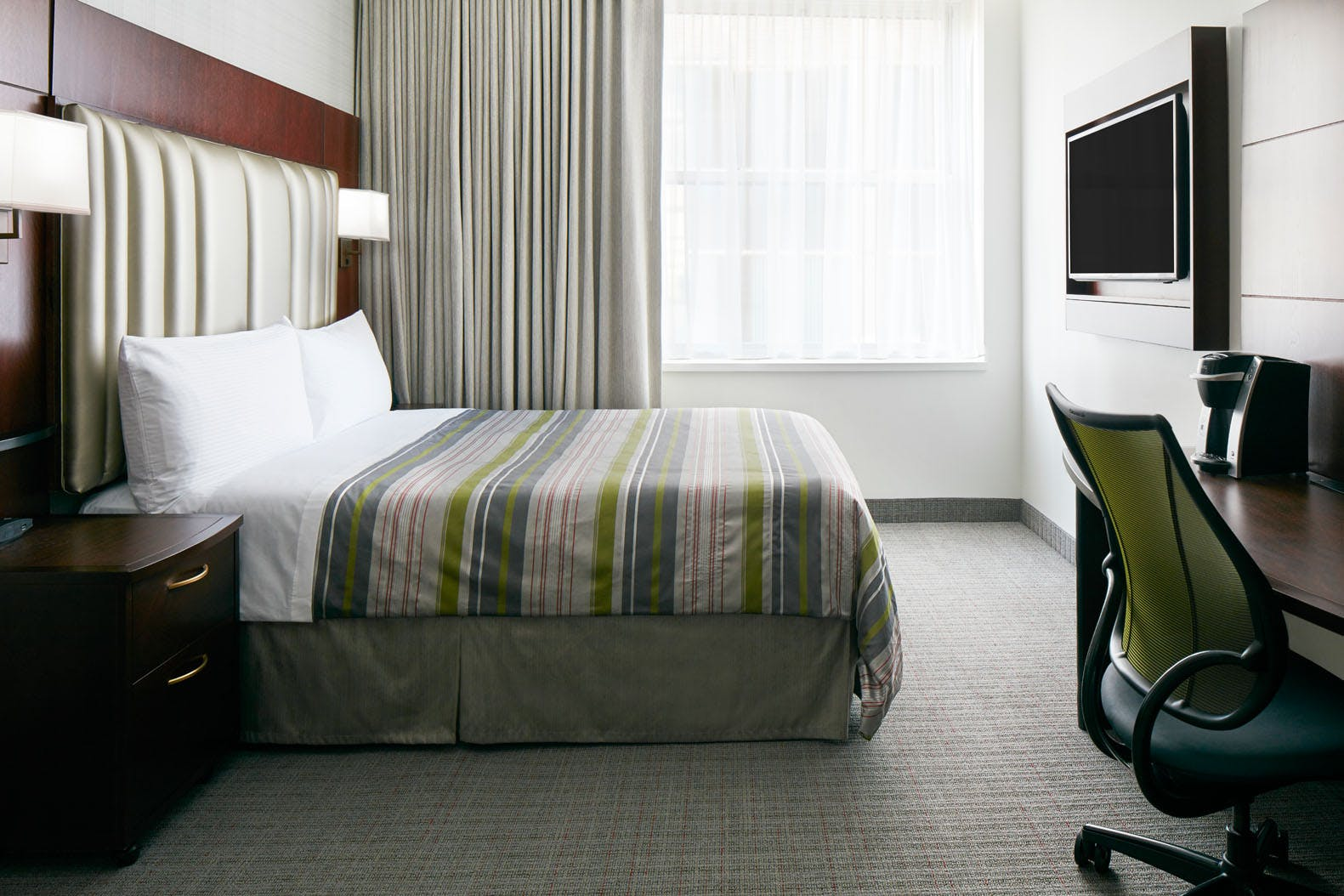Deluxe Room at Club Quarters Hotel in Boston