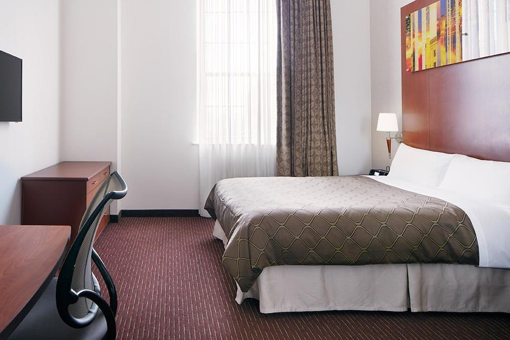 Deluxe Room at Club Quarters Hotel in Philadelphia