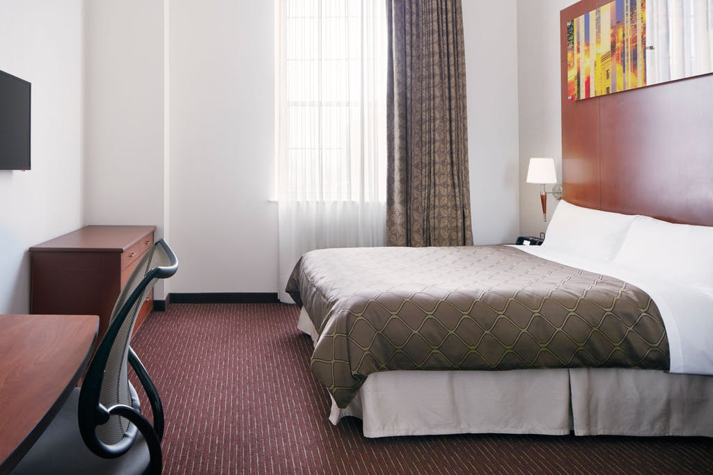 Club quarters hotel in philadelphia a center city business hotel superior room with kitchenette solutioingenieria Choice Image