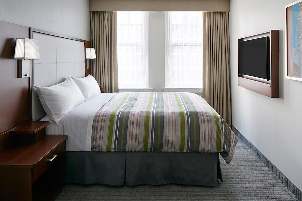 Deluxe Room at Club Quarters Hotel in Houston