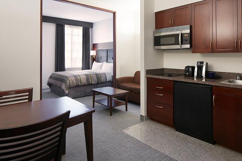 One Room Suite - Deluxe Studio Apartment