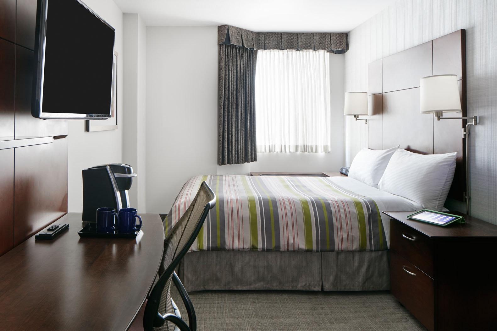 Club Room Club Quarters Hotel in San