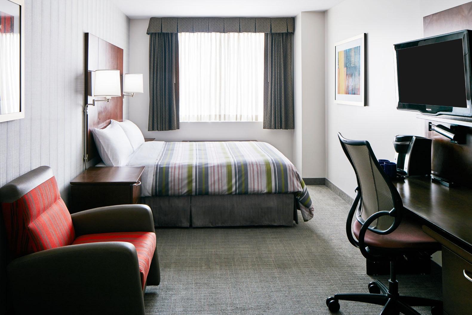 Standard Room Club Quarters Hotel in San