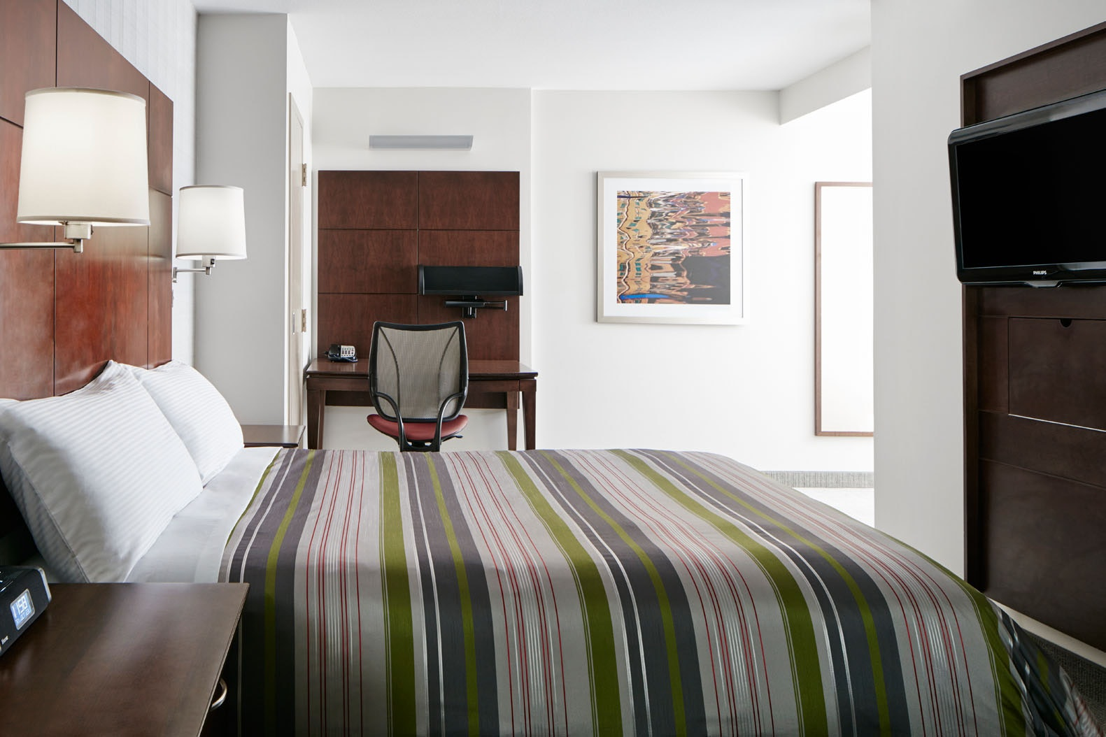 Superior Room with Kitchenette Club Quarters Hotel