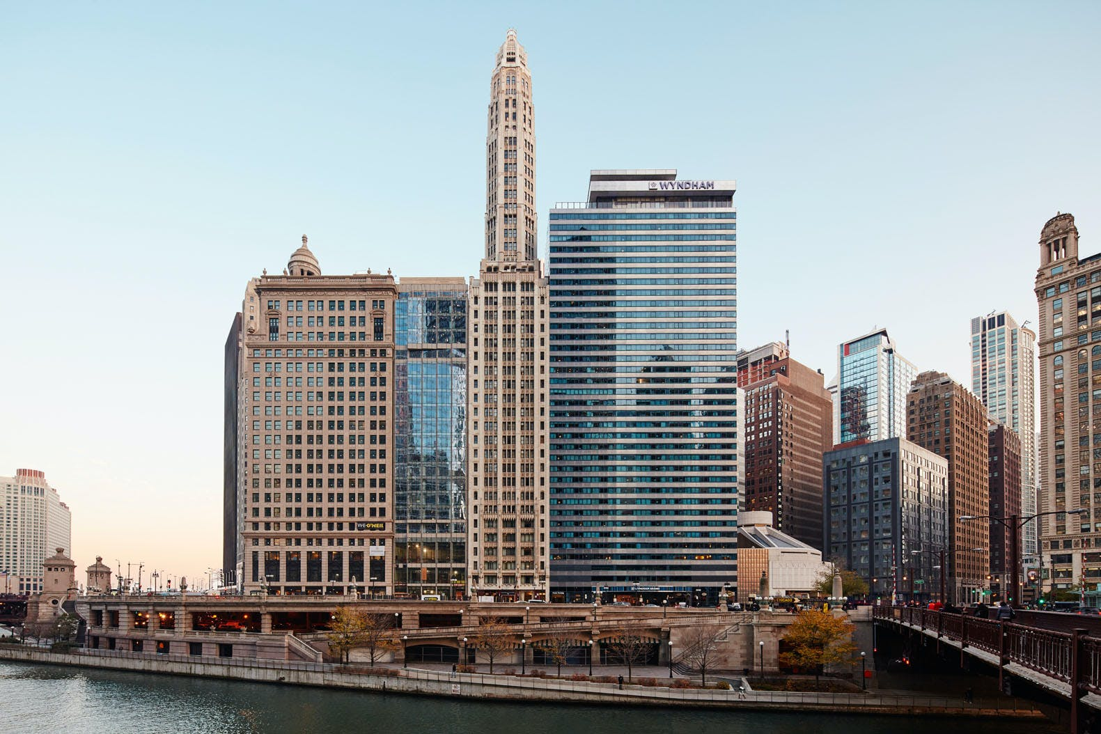 Chicago Riverfront, Club Quarters Hotel, Wacker at Michigan