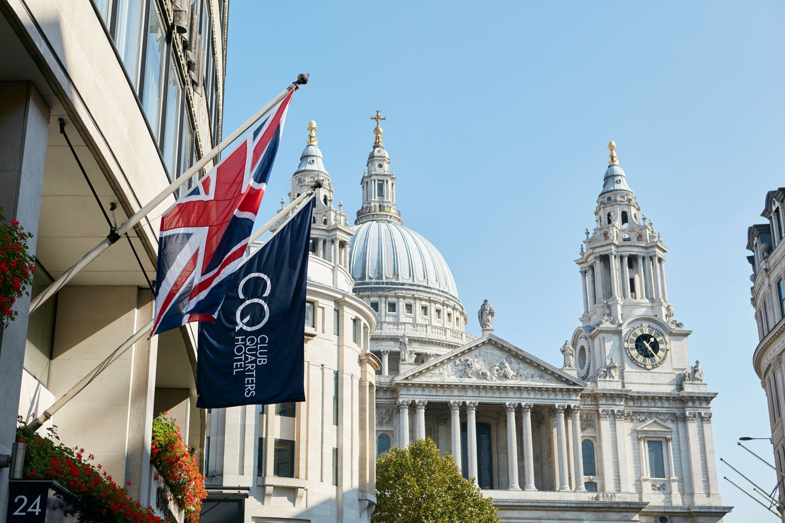 Club Quarters Hotel, St. Paul's, London and St. Paul's Cathedral