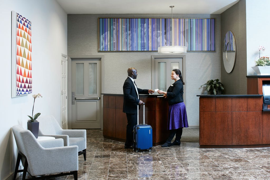 Club quarters hotel in philadelphia a center city business hotel member service desk at club quarters hotel in philadelphia solutioingenieria Image collections