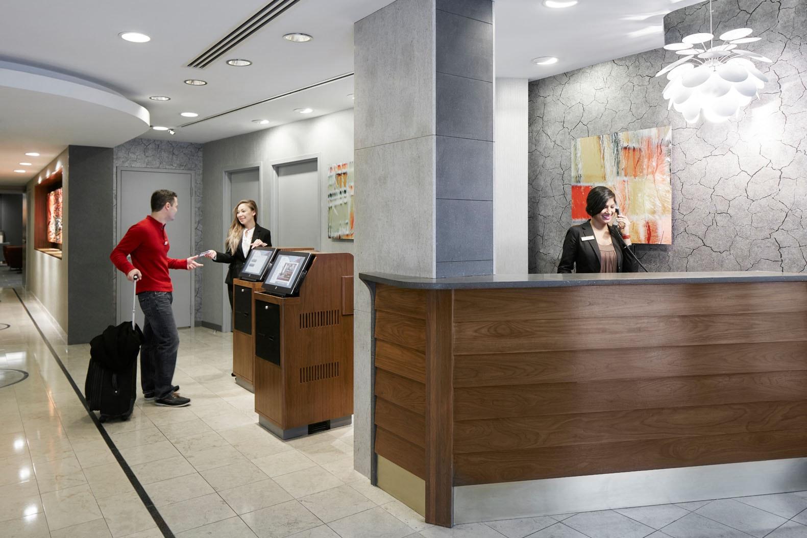 Member Service Desk at Club Quarters Hotel