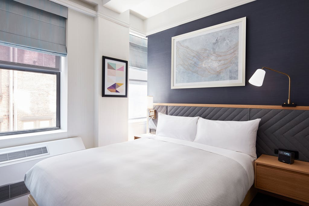Club Quarters Hotel, Times Square - Newly Renovated Midtown