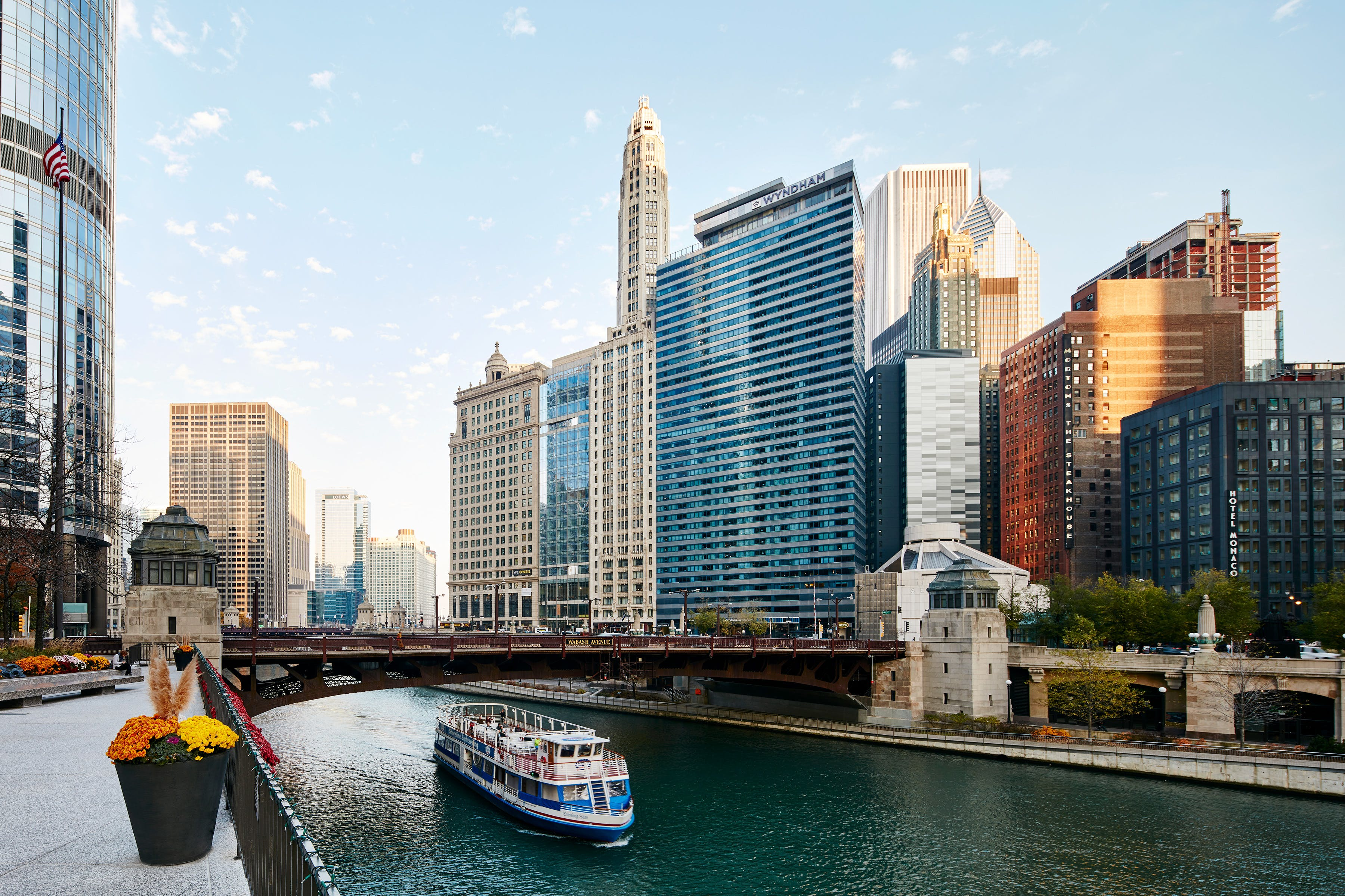 Hotels Near Willis Tower Chicago