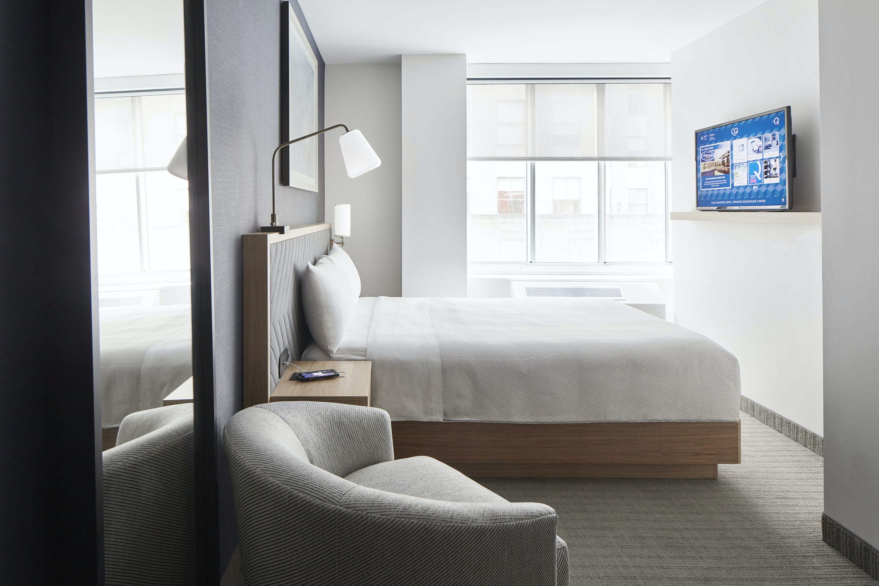 Deluxe Hotel Room Rockefeller Center