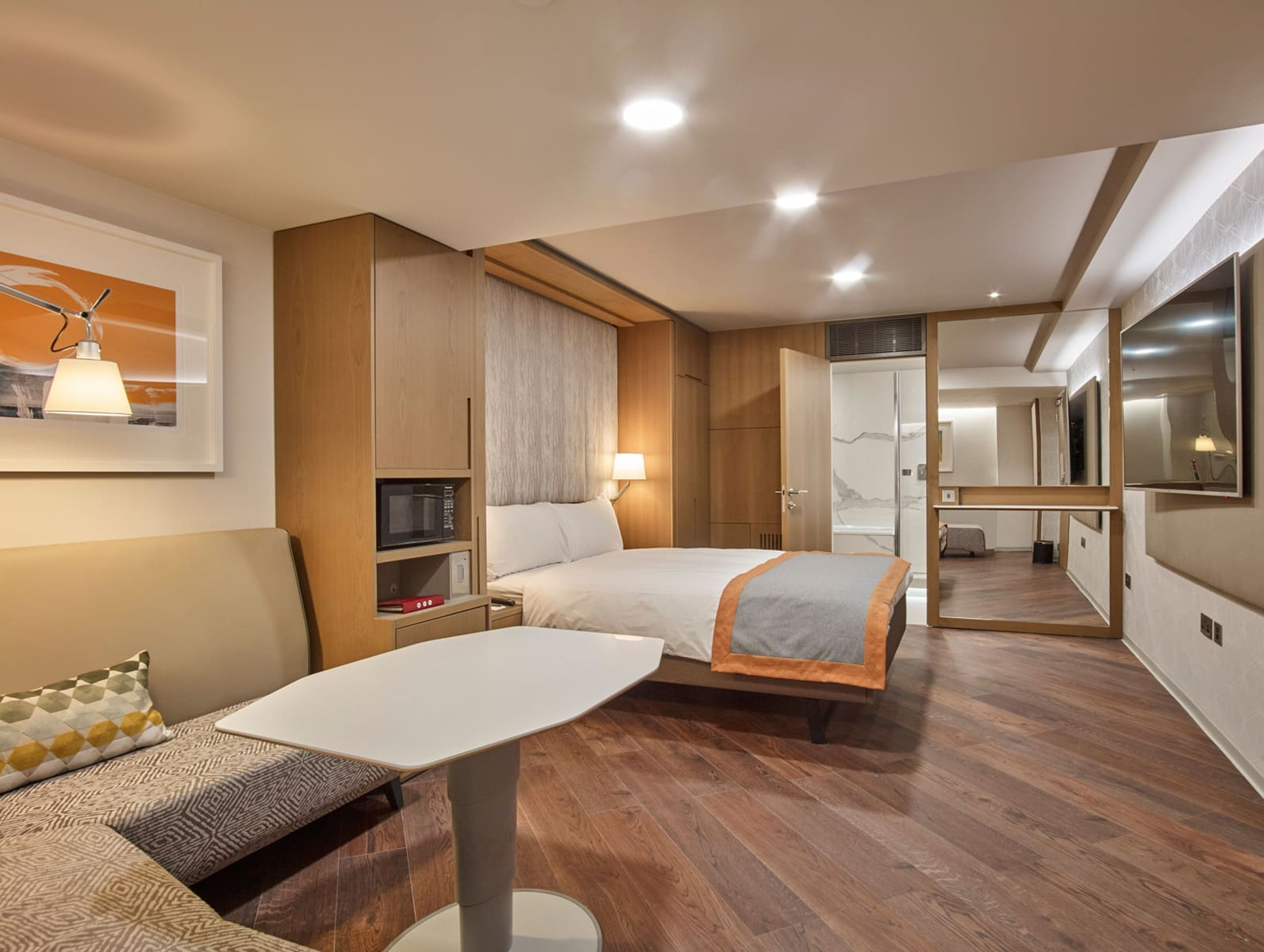 Club Level Premier Room 001