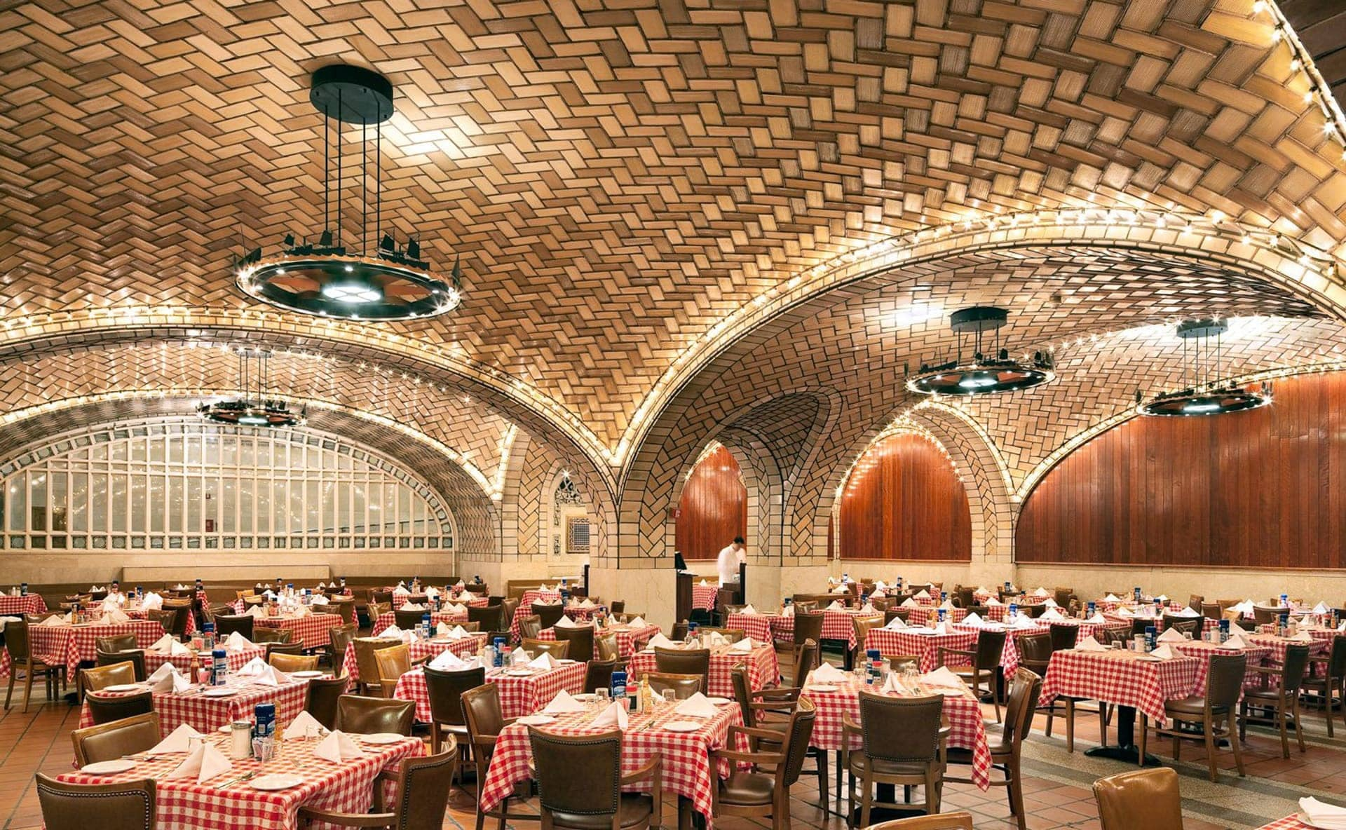 Interior of Grand Central Oyster Bar, New York